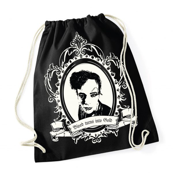Johanna Malchow auf einem Beutel Gym-Sack The Metafiction Cabaret - Fan - merchandise